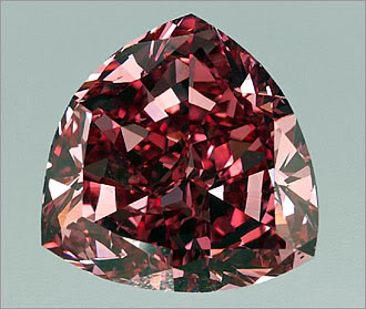 穆塞耶夫红色钻石(The Moussaieff Red Diamond) 700万美元.jpg