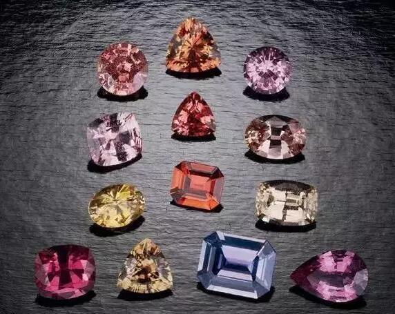 8马达加斯加:世界宝石种类最齐全的出产地.jpg