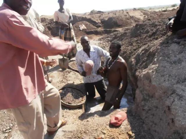 11坦桑尼亚:坦桑石全球唯一产地.jpg