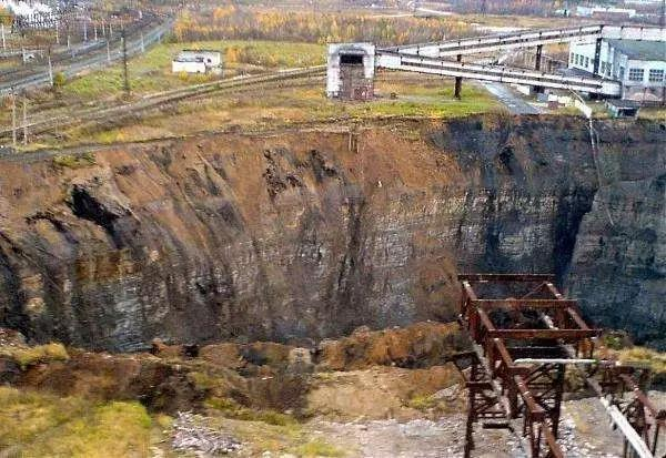 13俄罗斯:历史上最具价值的变石产地.jpg