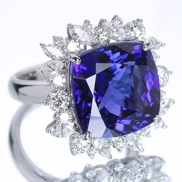 蓝色宝石-坦桑石和蓝宝石怎么区分?3.jpg