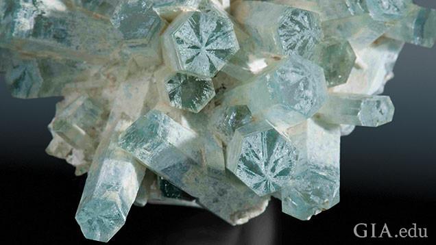 宝石中的达碧兹现象31.jpg